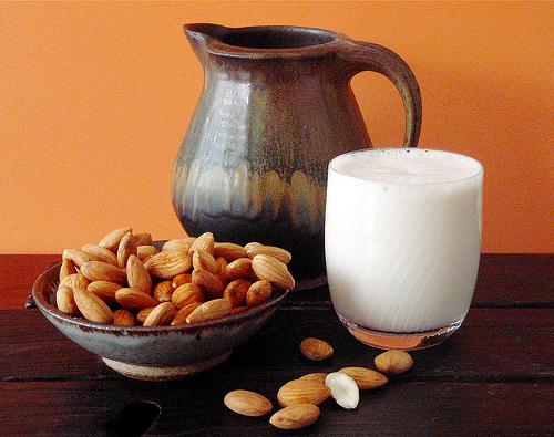Как приготовить молоко из орехов