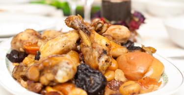 Курица с черносливом
