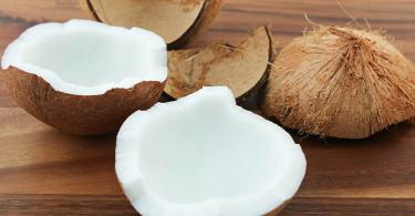 как правильно и быстро разделать кокос
