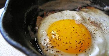 инструкция как жарить яйца