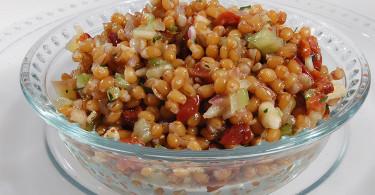 рецепт салата из пшеницы с курагой