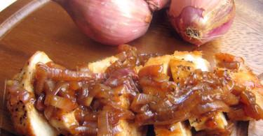 Филе свинины с луком шалот