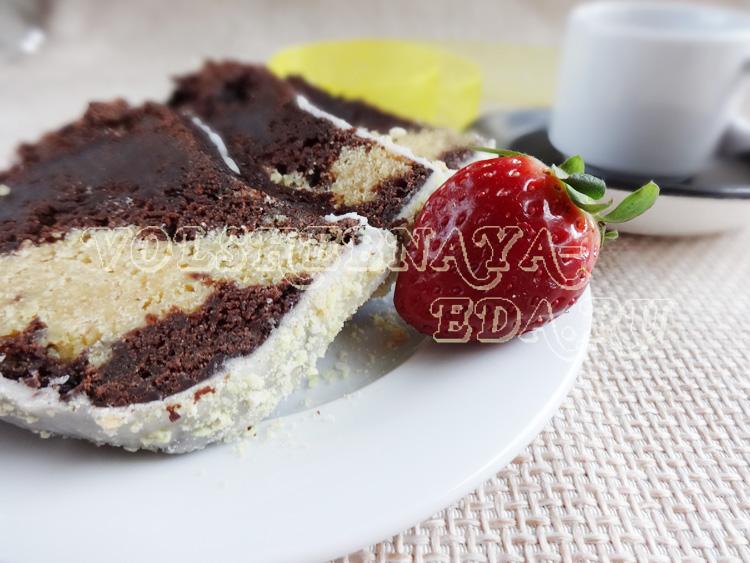 Шоколадный кекс с сырной начинкой