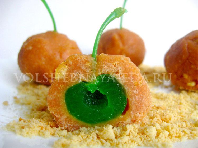 Конфеты с зеленой вишней