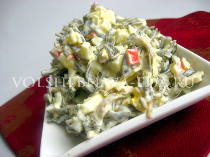 Рецепт салата из морской капусты и крабовых палочек
