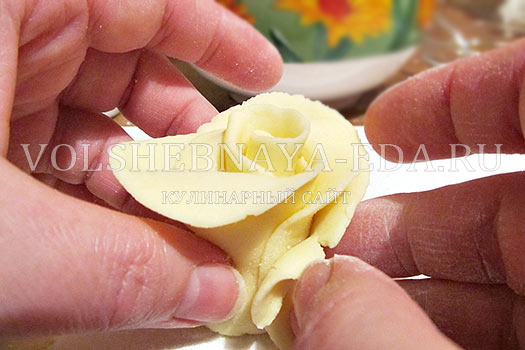 rozy-iz-mastiki-10