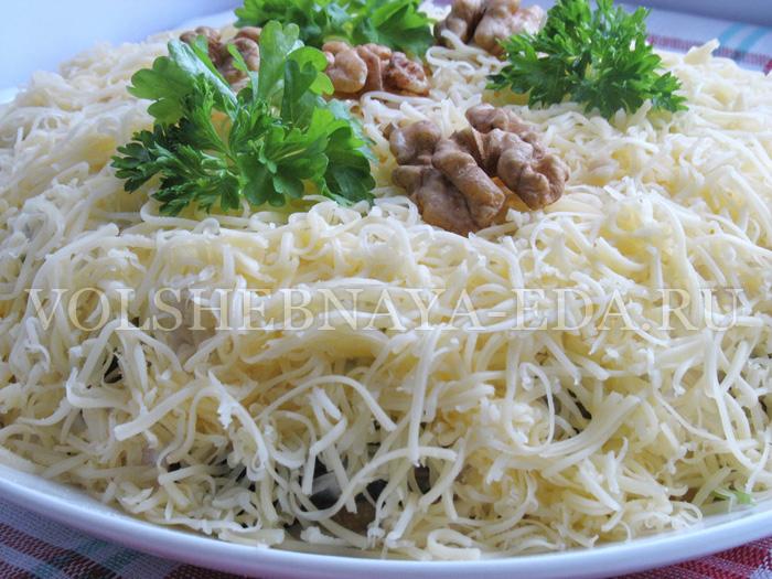 sloeny-salat-s-kuricej-itog2