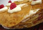 Блинный торт со взбитыми сливками