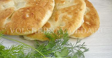 Постные лепешки с фасолью на сковороде