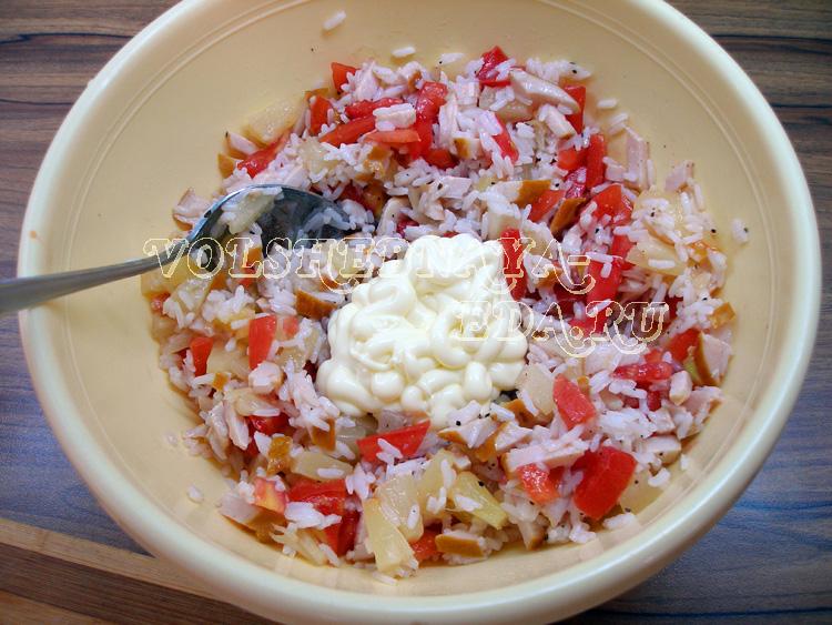salat-s-kopchenoj-kuricej-10