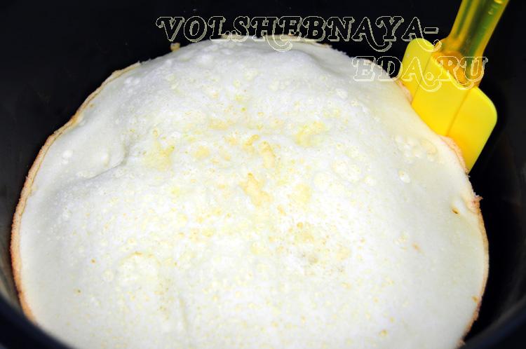 pirog-s-kivi-v-mul'tivarke-11