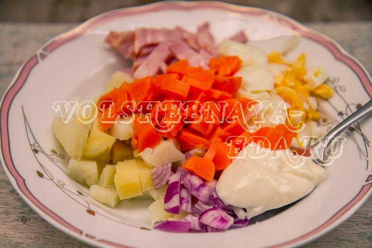 salat-s-ananasom-9