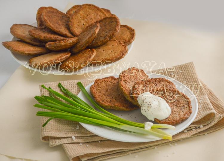 Куриные печеночные оладьи с гречкой