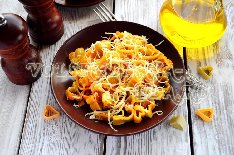 Макароны в мультиварке с сыром и овощами