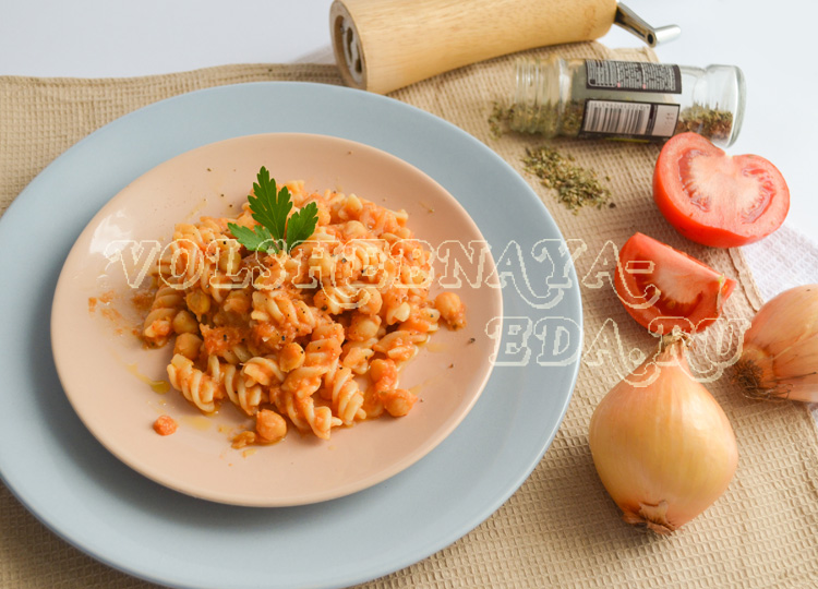 pasta-s-nutom-i-tomatami-12