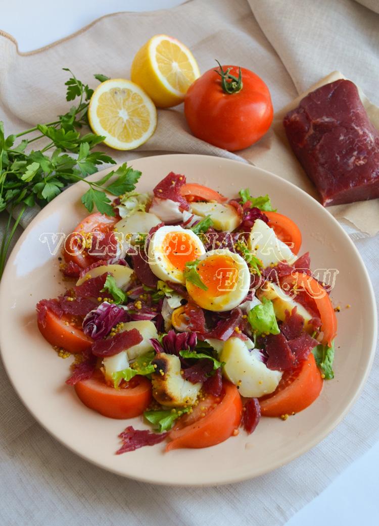 salat-s-pechenym-kartofelem-8