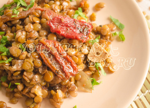 chechevica-s-vjalenymi-tomatami-11