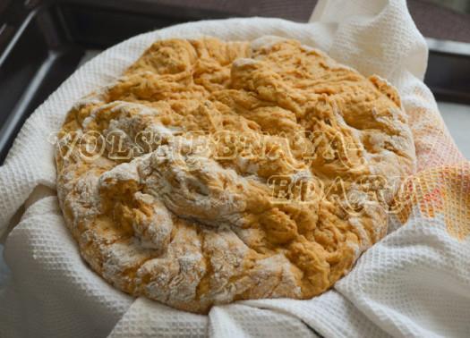 hleb-s-vjalenymi-tomatami-i-krem-syrom-10
