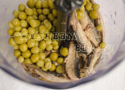 zakuska-iz-shprot-zelenogo-goroshka-i-domashnego-majoneza-2