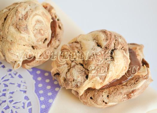 shokoladnye-beze-s-vishnevym-ganashem-15