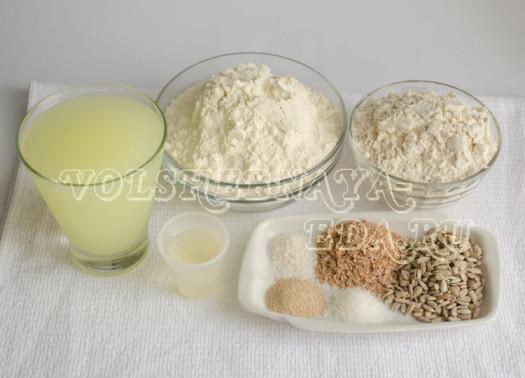 celnozernovoj-hleb-s-semechkami-1