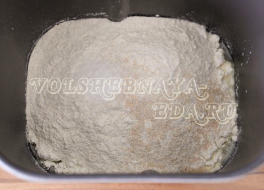 pikantnyj-hleb-s-olivkami-3