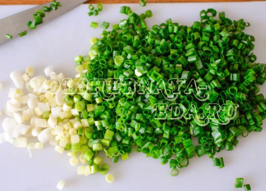 hrustjashhie-chipsy-iz-lavasha-s-zelenym-lukom-5