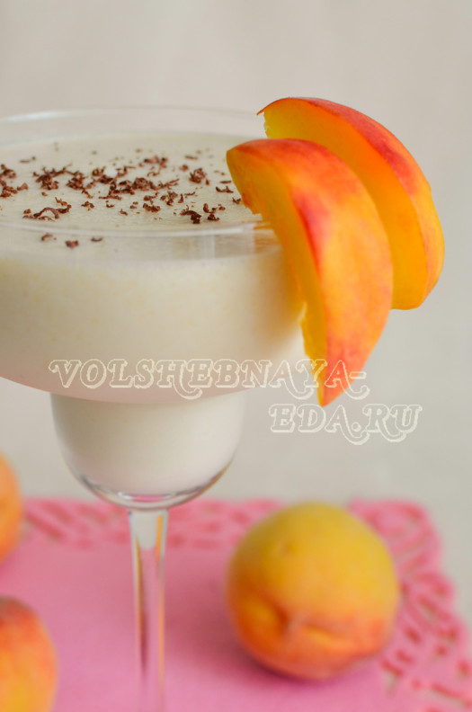 persikovo-bananovyj-koktejl-s-bejlisom-7