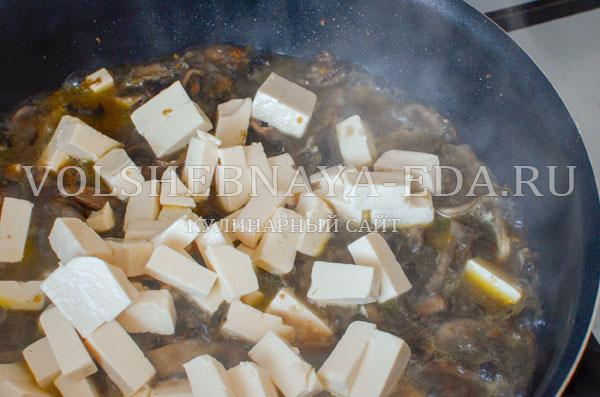 gribnoj sup s syrom i slivkami 8