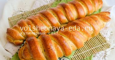 Витые батоны с ароматным маслом и травами