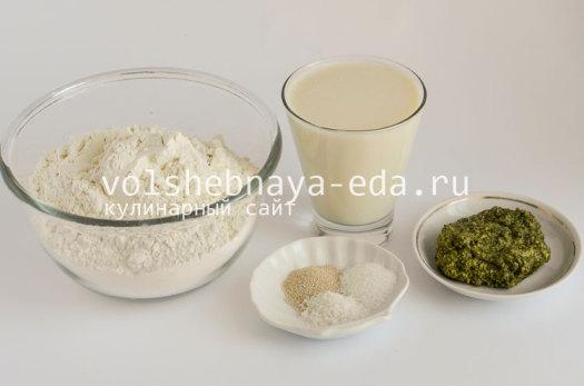 aromatnyj-hleb-s-pesto-1