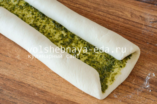 aromatnyj-hleb-s-pesto-6