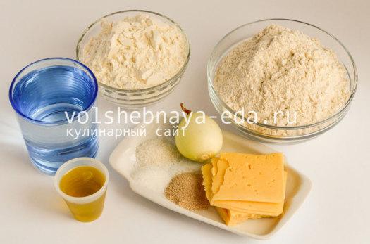 hleb-s-lukom-i-syrom-1