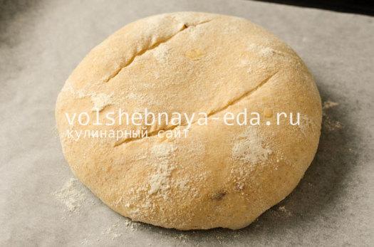 hleb-s-lukom-i-syrom-11