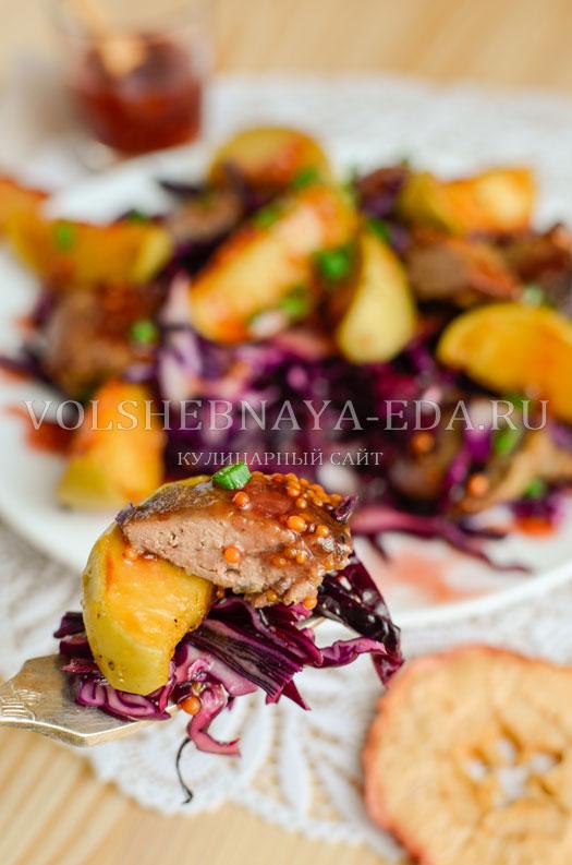 salat-iz-pecheni-s-malinovym-sousom-18