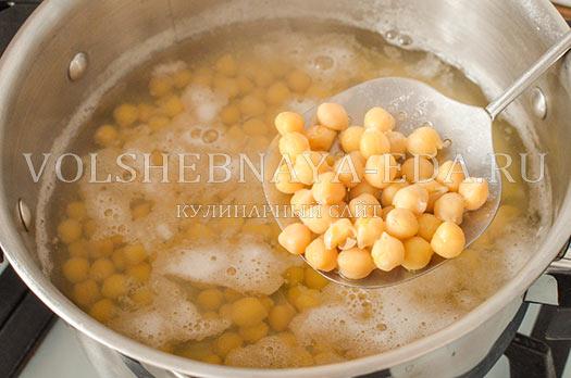 borshh-s-nutom-i-sinej-kapustoj-4