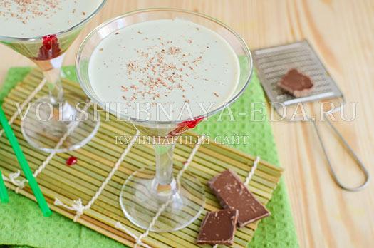 molochnyj-koktejl-s-chaem-matcha-6