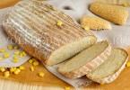 рецепт пшенично-ржаного с кукурузой и сыром хлеба