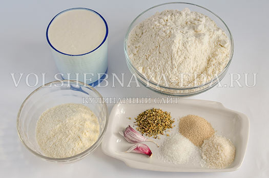 chesnochnyj-hleb-s-provanskimi-travami-1
