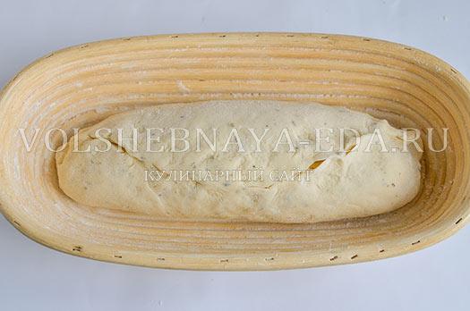 chesnochnyj-hleb-s-provanskimi-travami-7