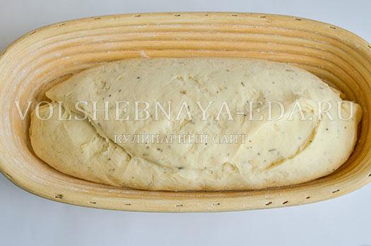 chesnochnyj-hleb-s-provanskimi-travami-8