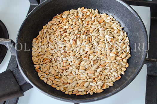 rzhanoj-hleb-s-semechkami-i-sladkim-percem-8