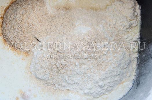 hleb-s-kopchenym-syrom-3