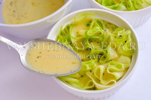 omlet-s-molodymi-kabachkami-i-goroshkom-6