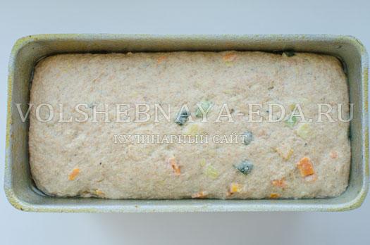 hleb-s-molodymi-kabachkami-i-morkovju-10