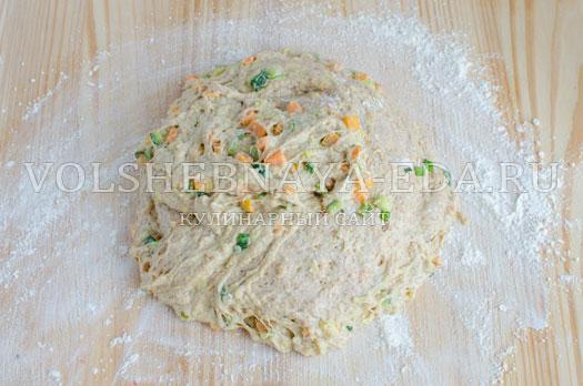 hleb-s-molodymi-kabachkami-i-morkovju-8