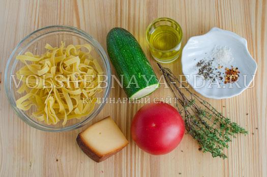 pasta-s-cukini-i-pechenymi-tomatami-1