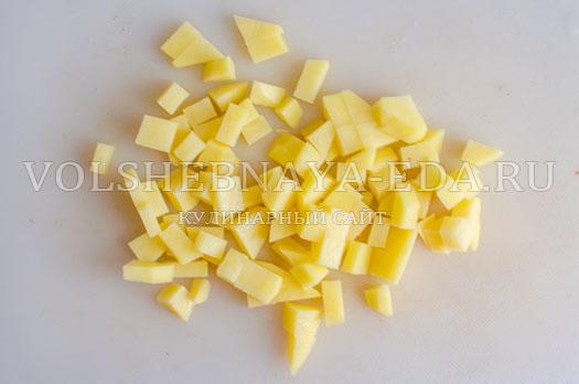 tomatnyj-sup-s-kukuruzoj-i-gribami-4