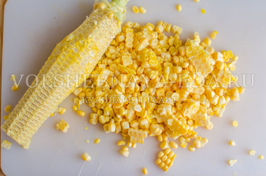 tomatnyj-sup-s-kukuruzoj-i-gribami-9