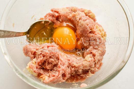 tomatnyj-sup-s-zapechennymi-frikadelkami-4